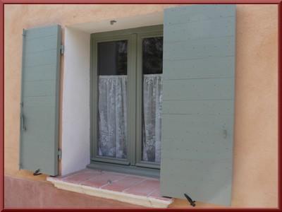 fenetre petit carreaux double vitrage best isolation phonique des fentres with fenetre petit. Black Bedroom Furniture Sets. Home Design Ideas